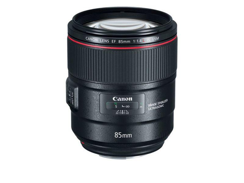 Canon Objektiv EF 85mm f / 1.4L IS USM Widerstandsfähigkeit: Staubgeschützt, Spritzwasserdicht, Objektivtyp: Tele, Filterdurchmesser: 77 mm, Brennweite Max.: 85 mm, Kompatible Kamerahersteller: Canon, Bildsensorstandard: Vollformat, APS-C, Bildstabil